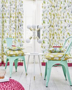 bright, bold curtains for kitchen